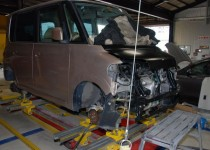 ダイハツ タント(DAIHATSU) フレーム修正 鈑金塗装 イタリア製スパネーゼ社製フレームジグ修正機を使用(SPANESI) 自動車修理事例
