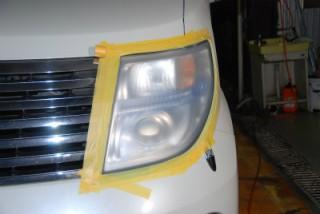 日産 エルグランド(NISSAN ELGRAND)  ヘッドライトのクモリで困っている方、ライト磨きま専家??