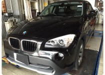 BMW X1 フロントバンパー塗装