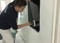 塗装ブース2台防火フィルム貼り完了!