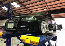 Audi A3(アウディエースリー)☆四輪アライメント調整