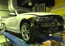 BMW 3シリーズの鈑金塗装・アルミホイール修理