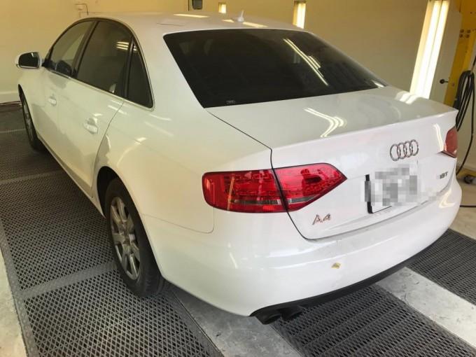 Audi A4(アウディエーフォー)板金塗装