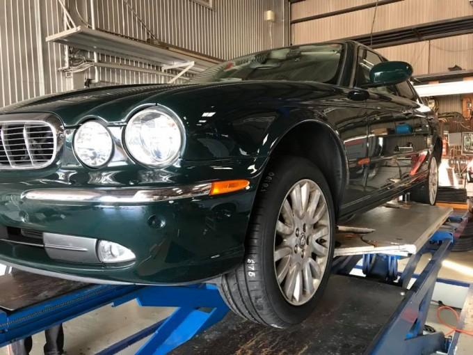 jaguar(ジャガー) XJ8 タイヤ交換